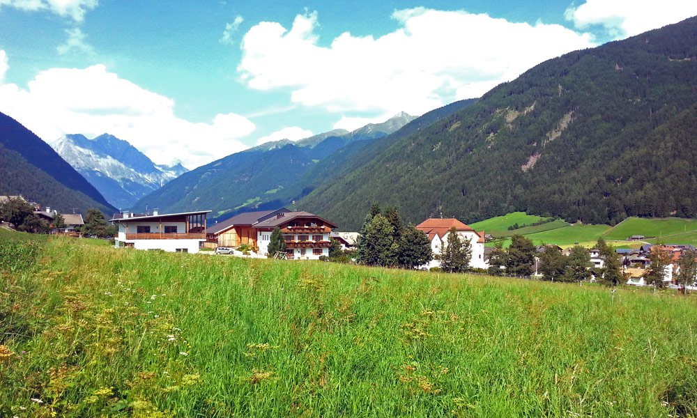 Holidays in Anterselva – Enjoy the green landscape and rocky peaks