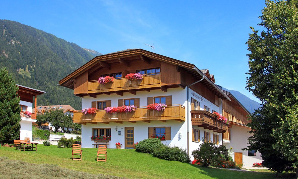 Your vacation on our farm in Anterselva: discover the farm