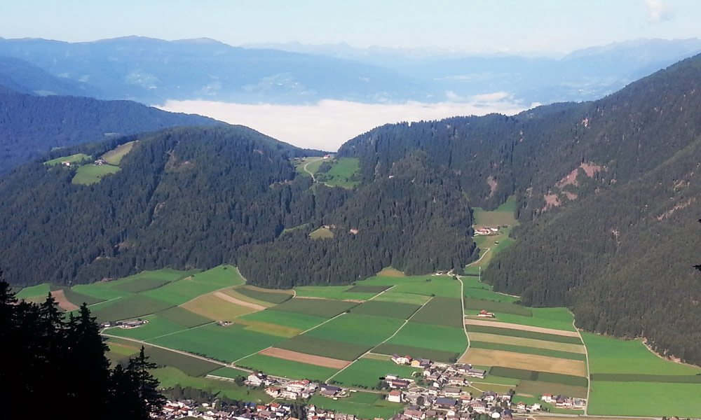 Rasun - escursione con vista panoramica sulle Dolomiti